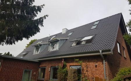 Einbau Von Velux Klapp-Schwingfenstern - Dachdeckerei Dubberstein Kiel